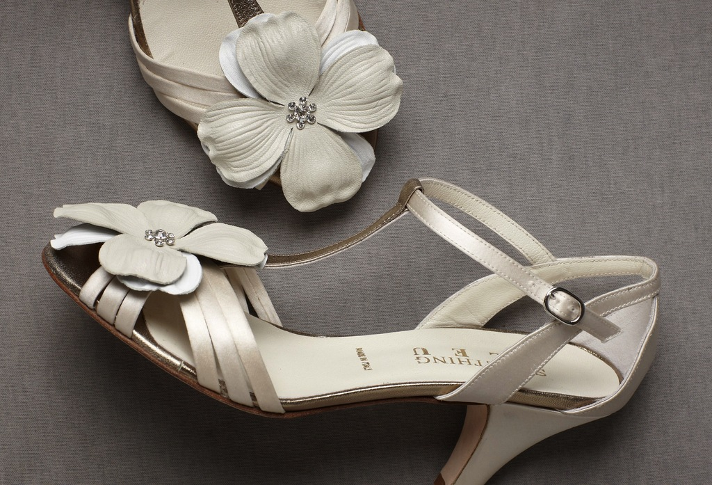 fun affordable wedding accessories for brides from BHLDN shop clips 2