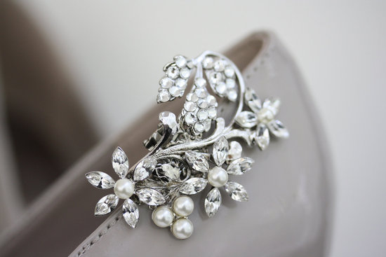 pretty little wedding shoe clips fun affordable bridal accessories 3