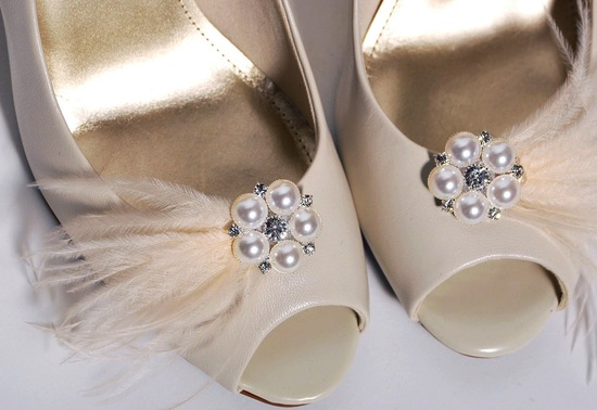 pretty little wedding shoe clips fun affordable bridal accessories 2