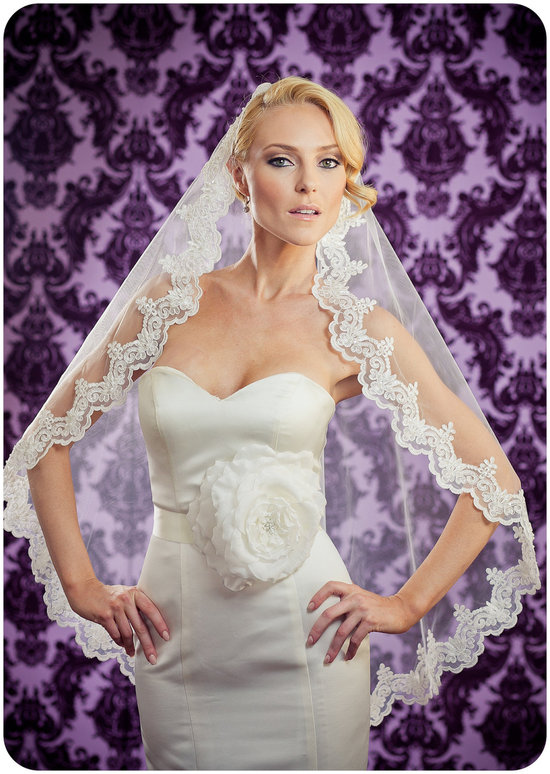 tulle lace mantilla veil for romantic brides