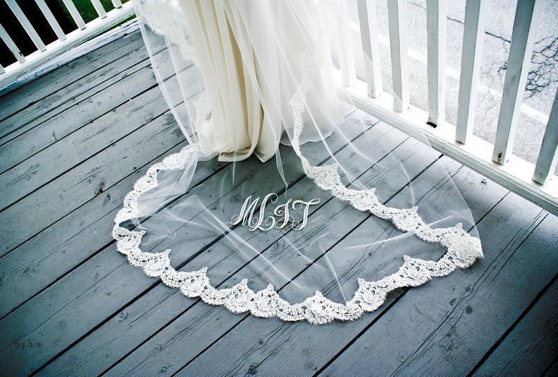 Romantic-bridal-accessories-wedding-hair-headpieces-mantilla-veil-4.full