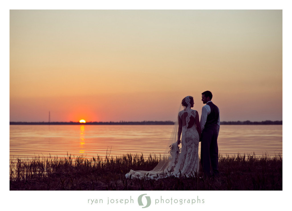 Romantic-wedding-accessories-bridal-head-chic-mantilla-veils-8.full