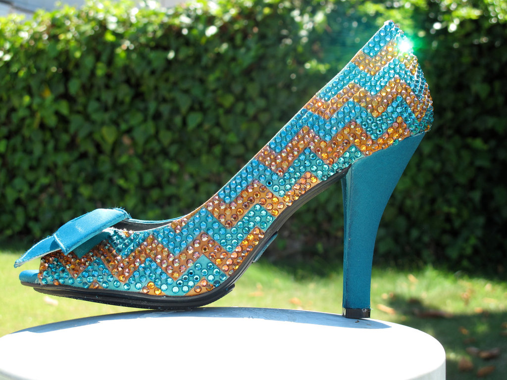 Chevron-wedding-inspiration-wedding-decor-details-for-the-reception-sparkly-shoes.full