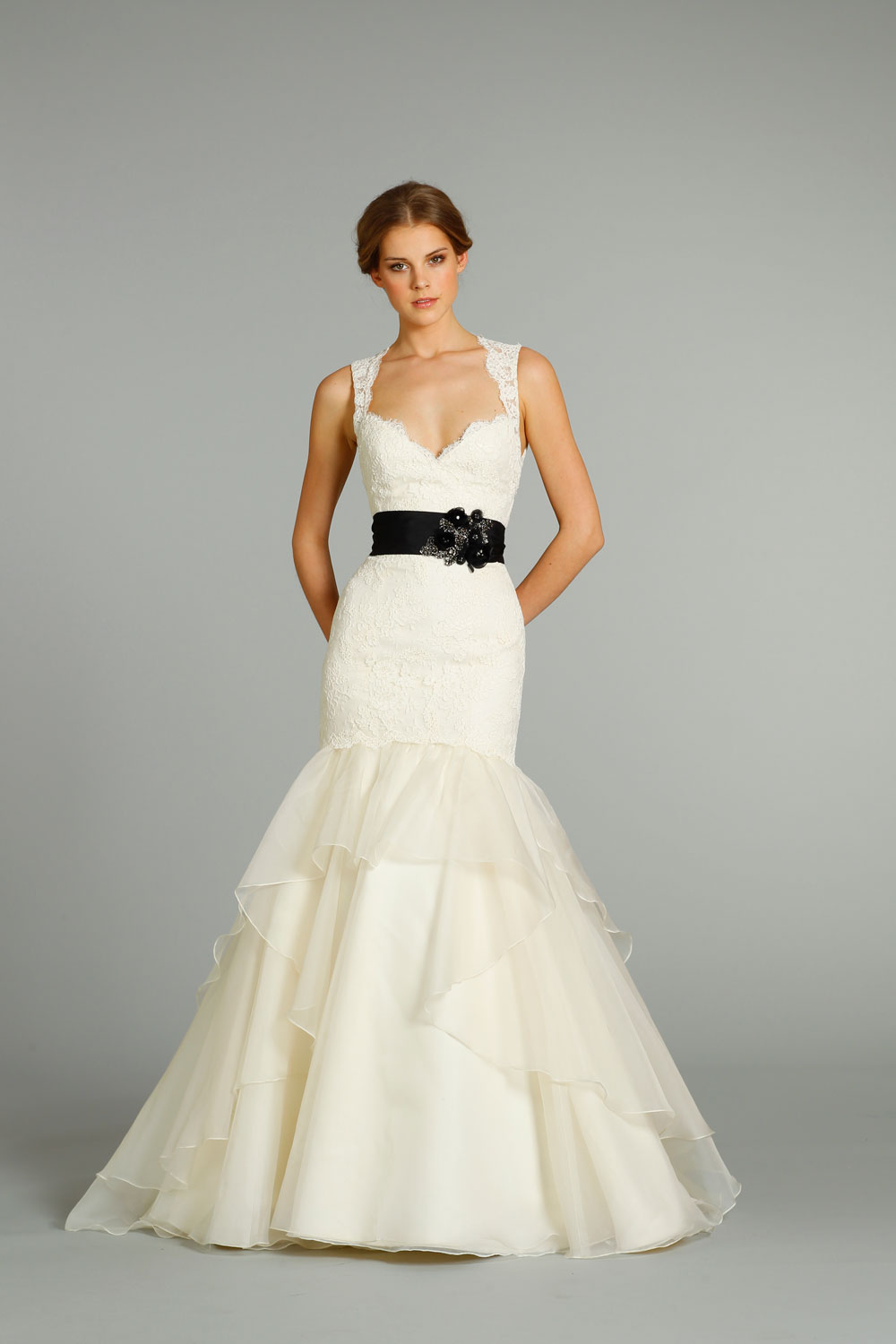 Fall 2012 wedding dress jim hjelm bridal gowns 8262 for Jim hjelm wedding dresses