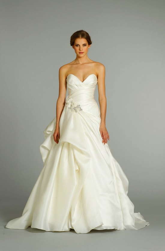 fall 2012 wedding dress Jim Hjelm bridal gowns 8253