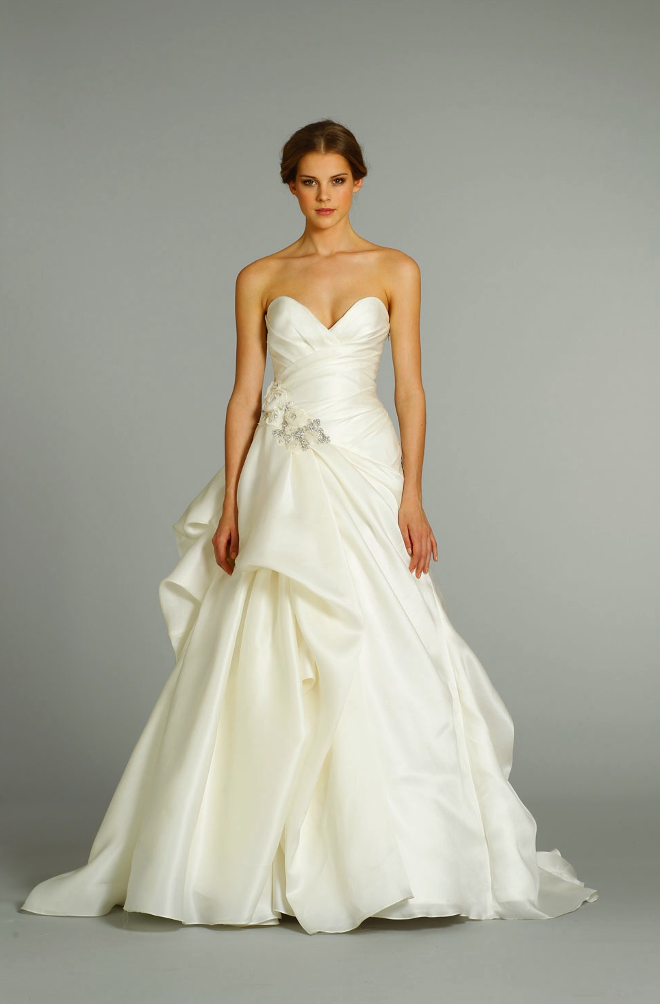 Fall 2012 wedding dress jim hjelm bridal gowns 8253 for Jim hjelm wedding dresses