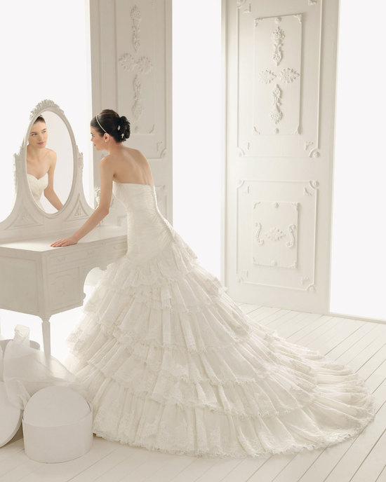 2013 wedding dress Aire Barcelona bridal gowns reflejo