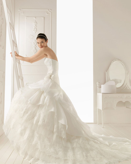 2013 wedding dress Aire Barcelona bridal gowns regenta