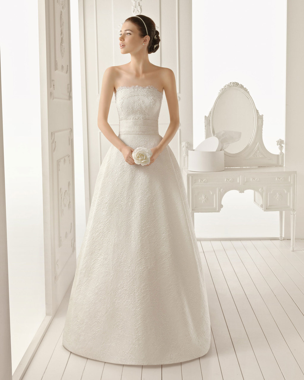 2013 wedding dress Aire Barcelona bridal gowns ribete