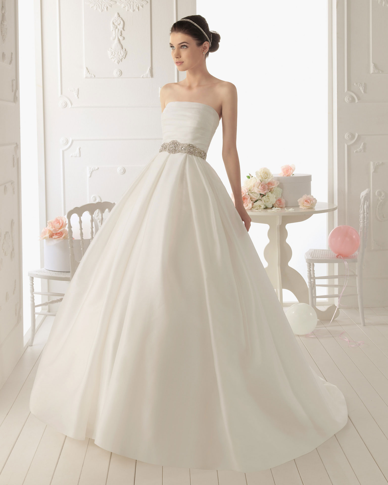 2013 wedding dress aire barcelona bridal gowns rima for Wedding dresses in barcelona spain