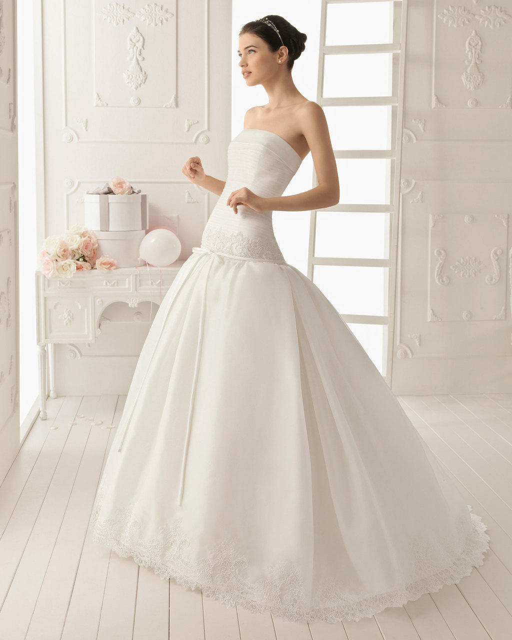 2013-wedding-dress-aire-barcelona-bridal-gowns-rinna.full