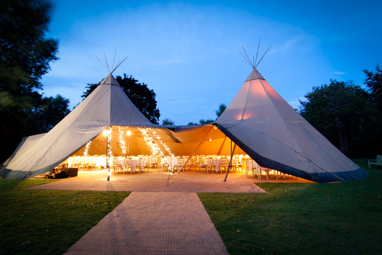 2012 wedding trends outdoor reception venues teepees not tents 1