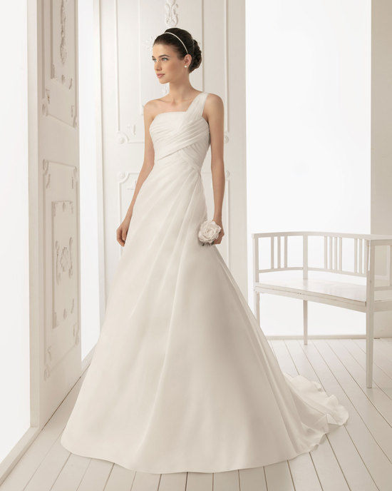 2013 wedding dress Aire Barcelona bridal gowns rizo