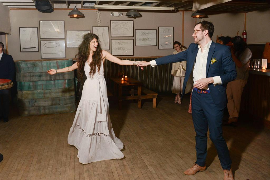 Celebrity-wedding-inspiration-bohemian-romance-real-wedding-first-dance.full