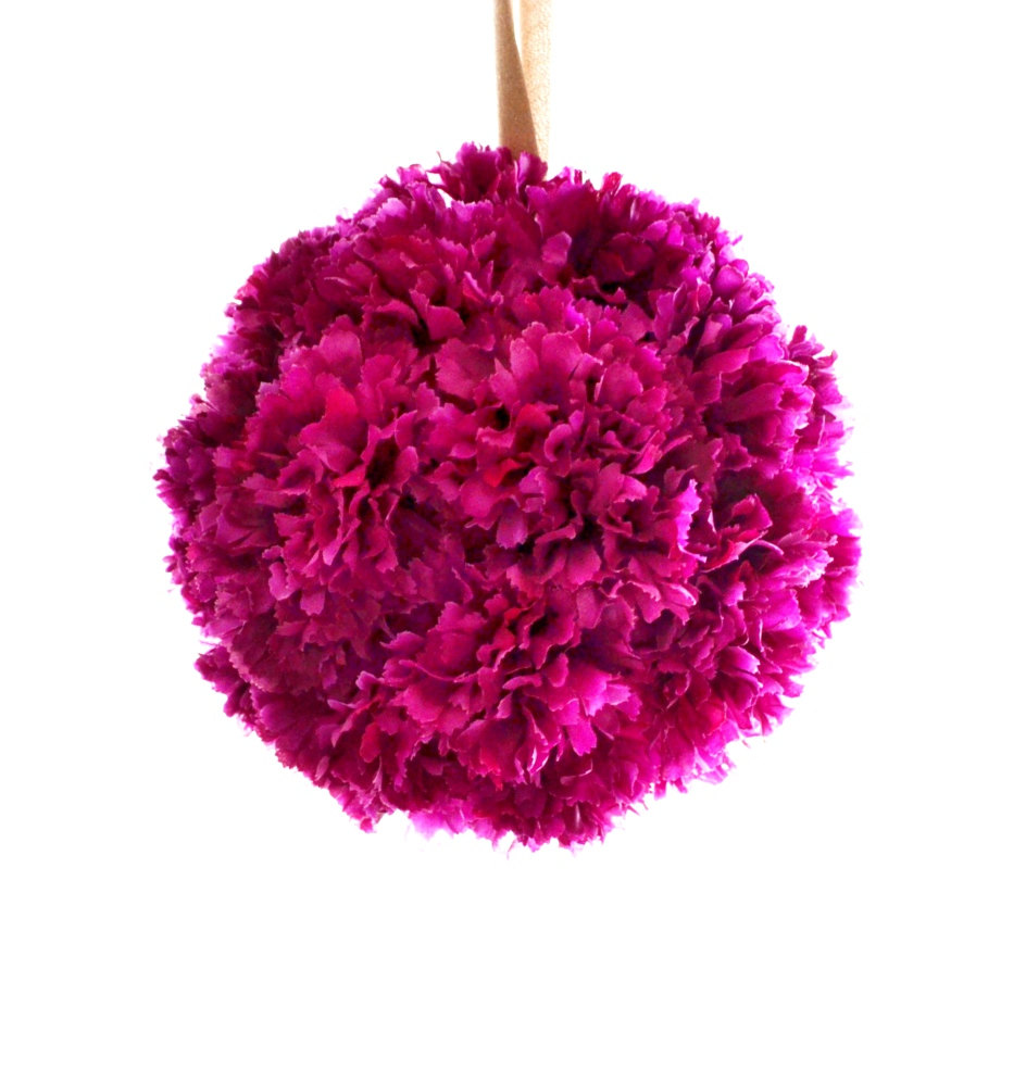Fuchsia-gold-wedding-inspiration-paper-pomanders.original