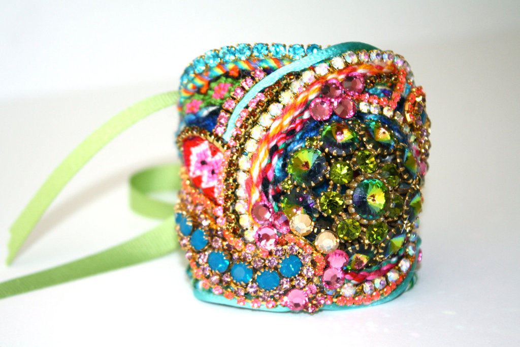 Bridesmaid-gift-ideas-bright-statement-necklace-cuff-bracelet-2.full