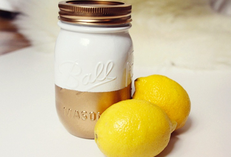 Summer-wedding-diy-ideas-two-tone-mason-jar.full