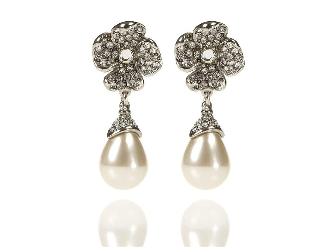 Oscar-de-la-renta-bridal-accessories-wedding-earrings-2.original