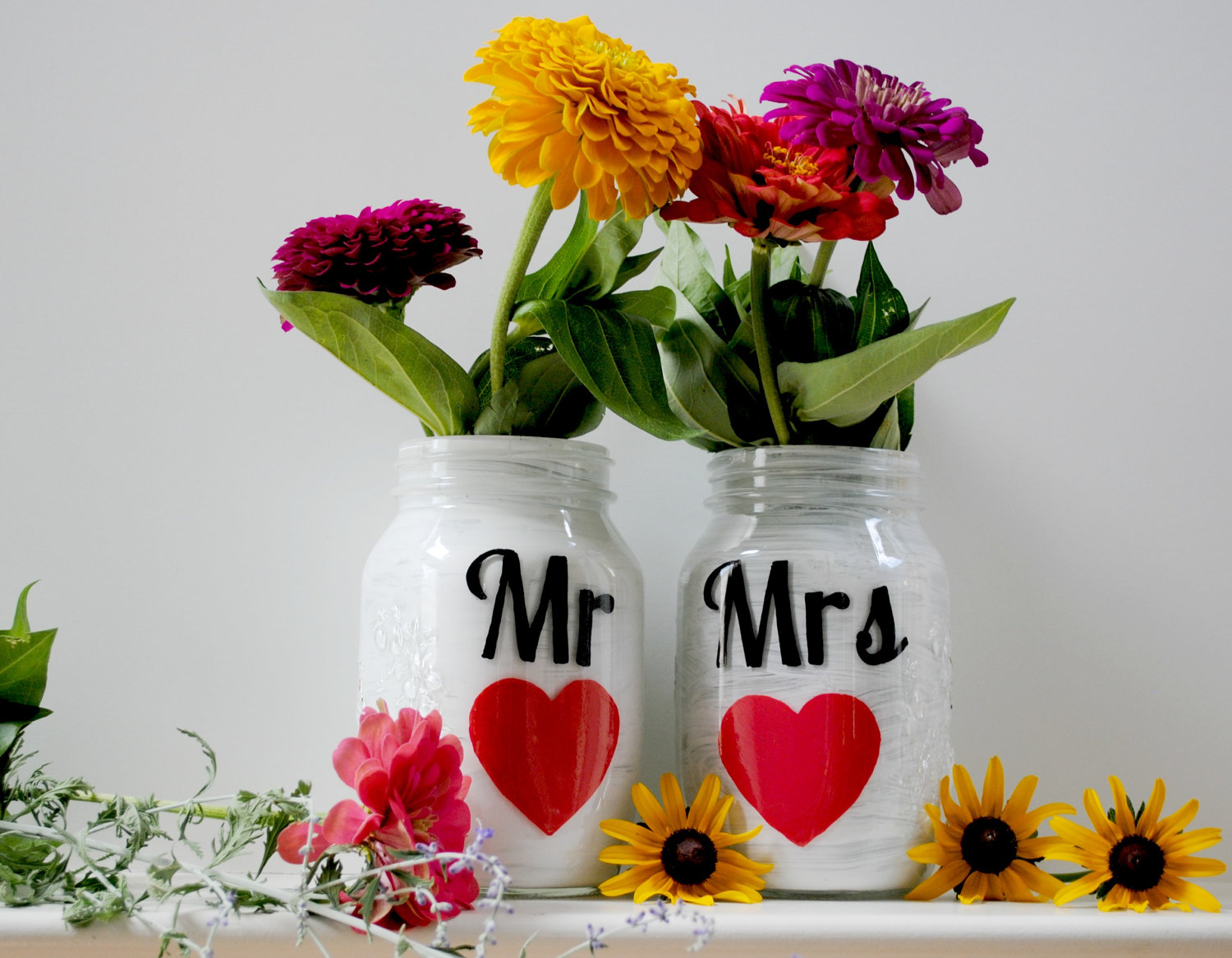 Things-brides-love-mason-jar-wedding-reception-decor-centerpieces-mr-and-mrs.original