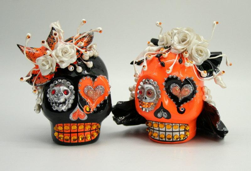 Handmade-wedding-finds-for-halloween-themed-i-dos-orange-black-skull-cake-topper.full