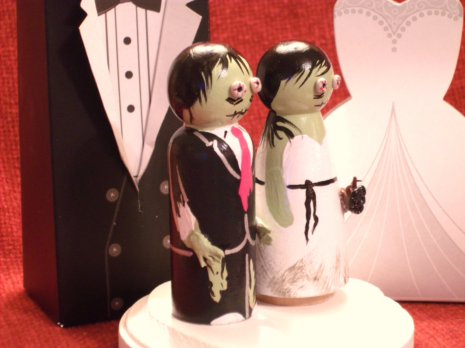 Handmade-wedding-finds-for-halloween-themed-i-dos-scary-cake-topper.original