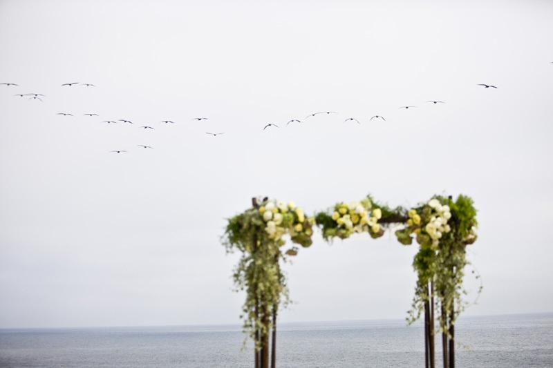 Wedding-santa-barbara-chic-halberg-photographers-rustic-elegant-outdoor-beach-wedding-venue-ceremony-flowers-5552.full