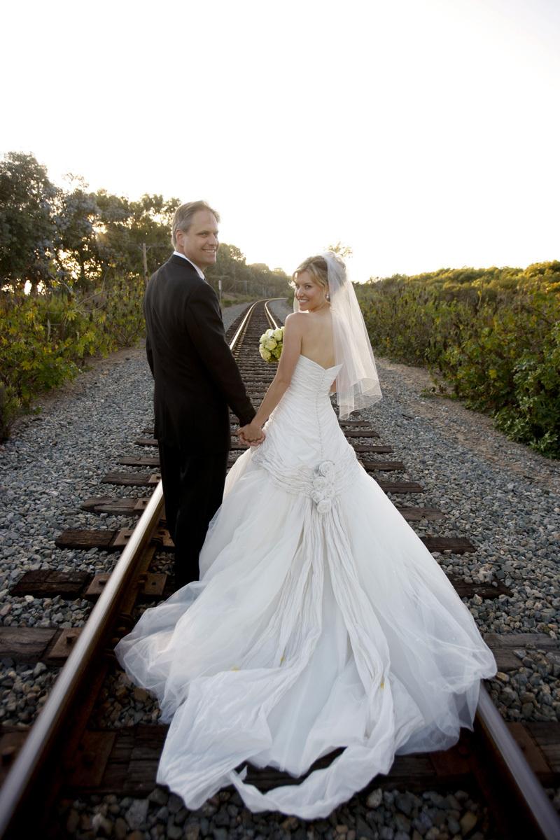Wedding-santa-barbara-chic-halberg-photographers-rustic-elegant-outdoor-beach-wedding-ceremony-bride-groom-6545.full