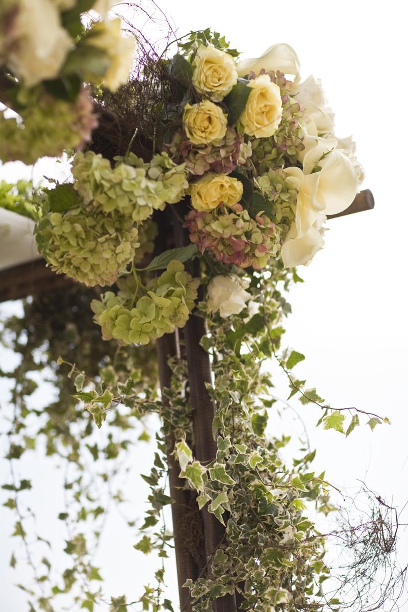 Wedding-santa-barbara-chic-halberg-photographers-rustic-elegant-outdoor-beach-wedding-ceremony-flowers-2548.full