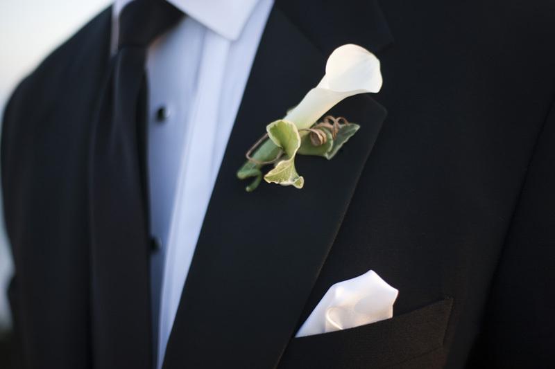 Wedding-santa-barbara-chic-halberg-photographers-rustic-elegant-outdoor-beach-wedding-ceremony-groom-boutainierre-6799.full