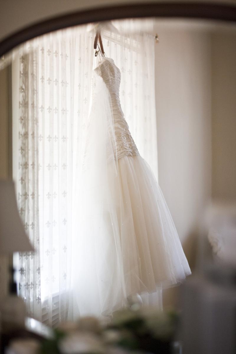 Wedding-santa-barbara-chic-halberg-photographers-rustic-elegant-outdoor-beach-wedding-pre-ceremony-bride-dress-.full