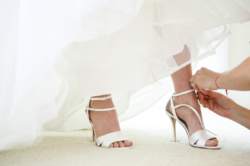 Wedding-santa-barbara-chic-halberg-photographers-rustic-elegant-outdoor-beach-wedding-pre-ceremony-bride-shoes-2292.full