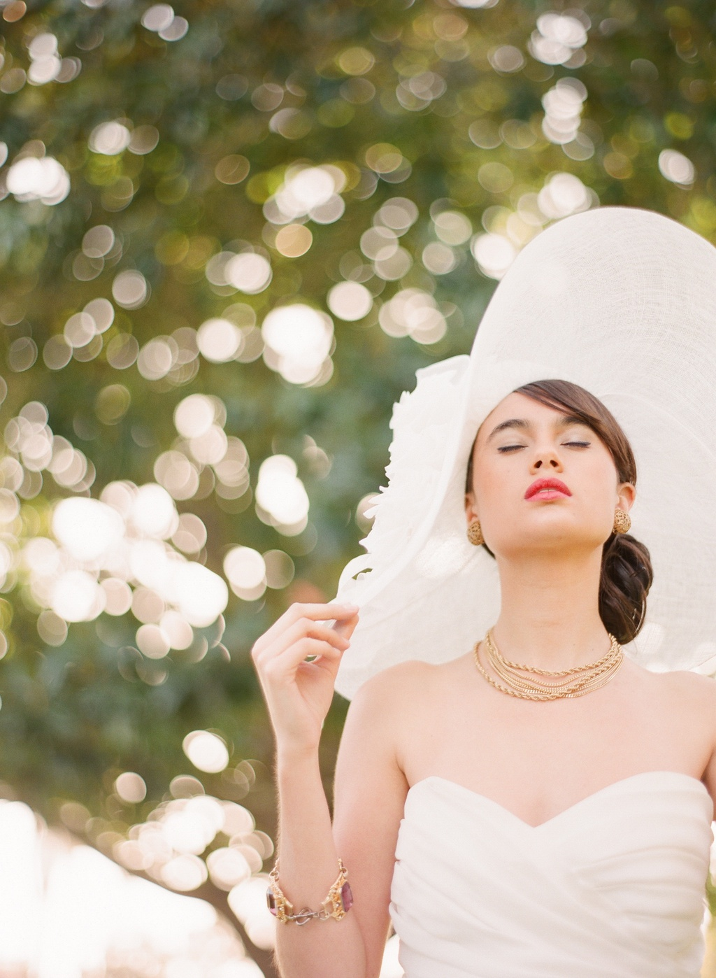 Styled-wedding-beaux-arts-tea-time-monique-lhuillier-santa-barbara-chic-bride-wedding-dress-hat-41.full