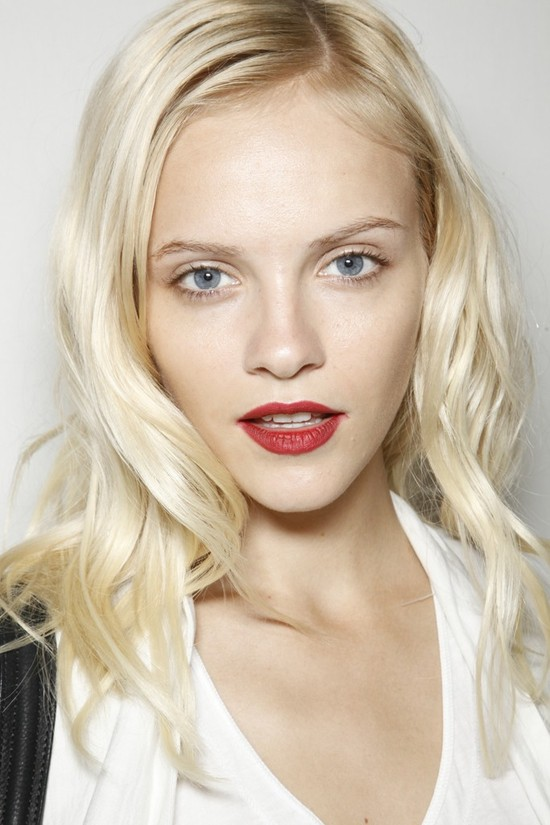 wedding hair makeup trends from fashion week red lips burberry 2