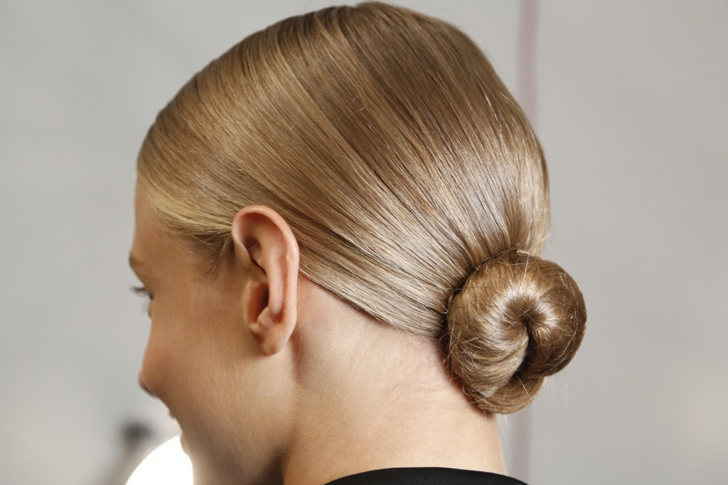 Wedding-hair-ideas-from-fashion-week-ralph-lauren-low-bridal-bun.full