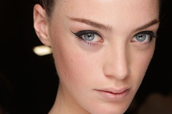 bridal beauty inspiration wedding makeup dramatic eyes Temperley London