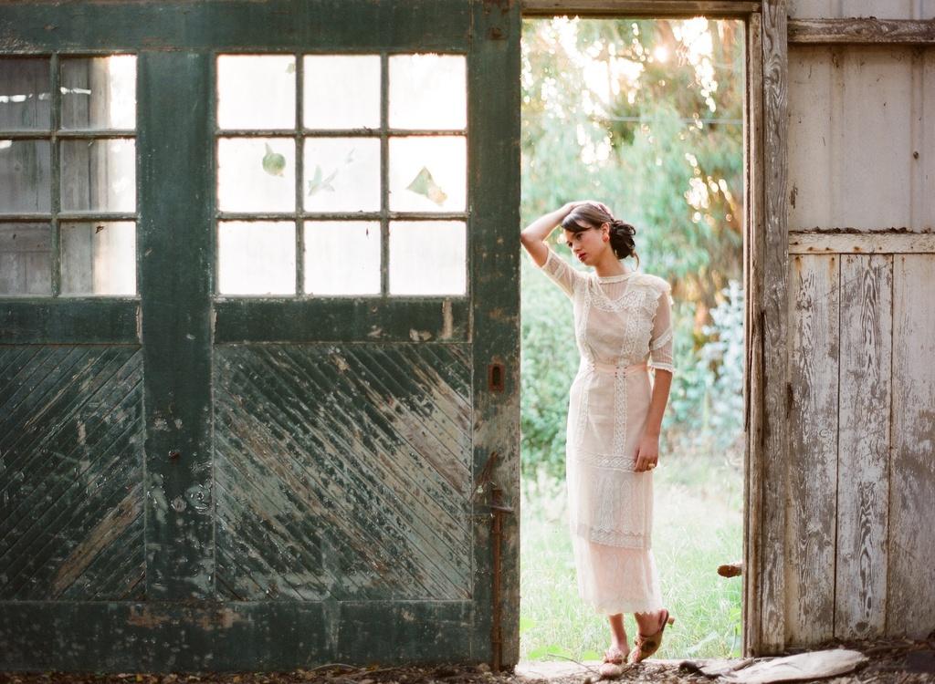 Styled-wedding-beaux-arts-tea-time-monique-lhuillier-santa-barbara-chic-bridal-gown-wedding-dress-rustic-bride-306.full