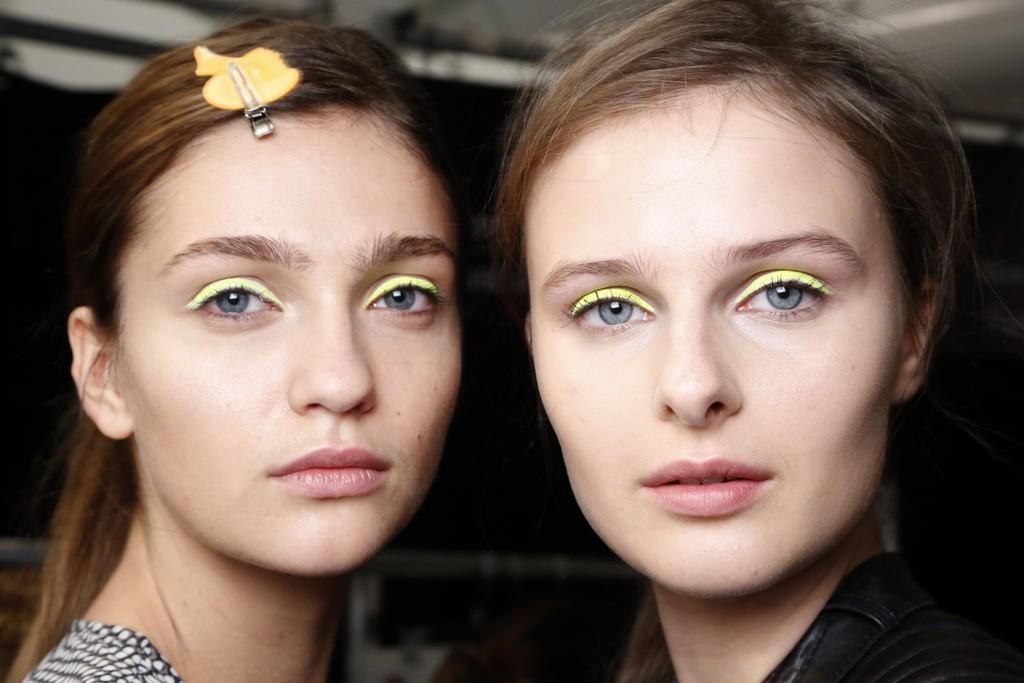 Neon-eyes-bridal-beauty-inspiration.full