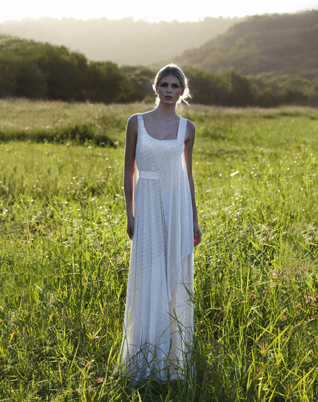 Vintage-inspired-wedding-gowns-retro-glam-brides-by-amanda-wakely-10.full