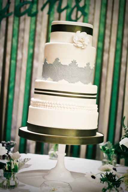 wedding-cakes-and-desserts-by-California-cake-baker-Sweet-and-Saucy-Shop-gray-black-white