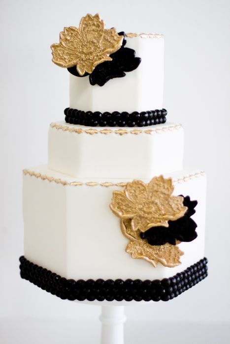wedding-cakes-and-desserts-by-California-cake-baker-Sweet-and-Saucy-Shop-37