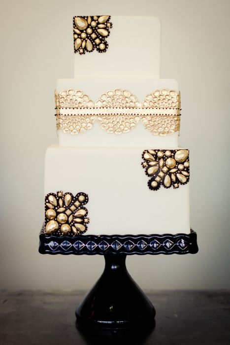 wedding-cakes-and-desserts-by-California-cake-baker-Sweet-and-Saucy-Shop-36