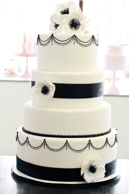 wedding-cakes-and-desserts-by-California-cake-baker-Sweet-and-Saucy-Shop-28