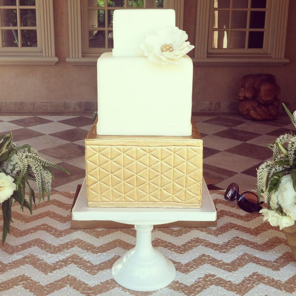 Wedding-cakes-and-desserts-by-california-cake-baker-sweet-and-saucy-shop-3.full