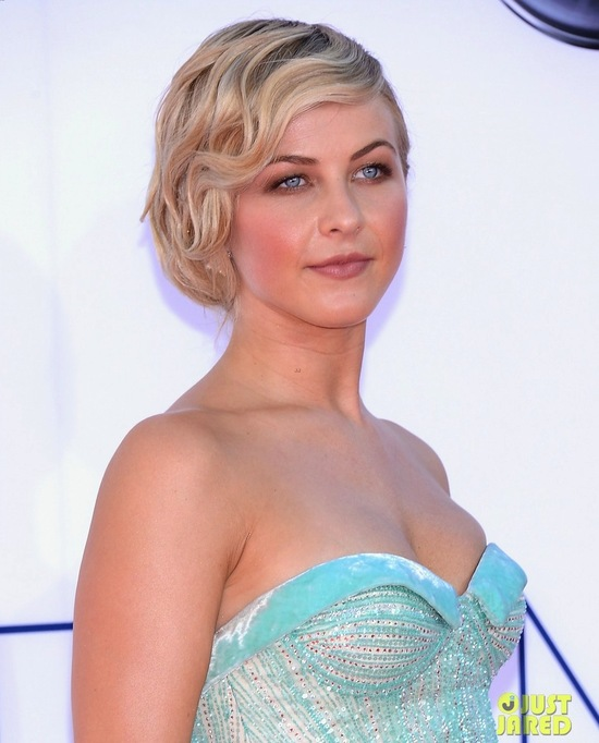 best wedding hair makeup inspiration from 2012 emmys vintage flapper Julianne Hough