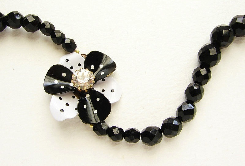 Wedding-inspiration-from-etsy-polka-dots-bridesmaid-necklace.full