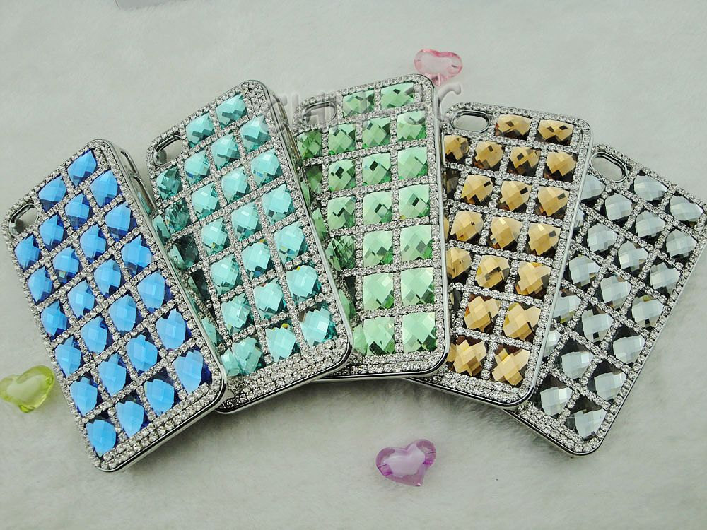 Favorite-iphone-cases-for-brides-modern-tech-weddings-bejeweled.full