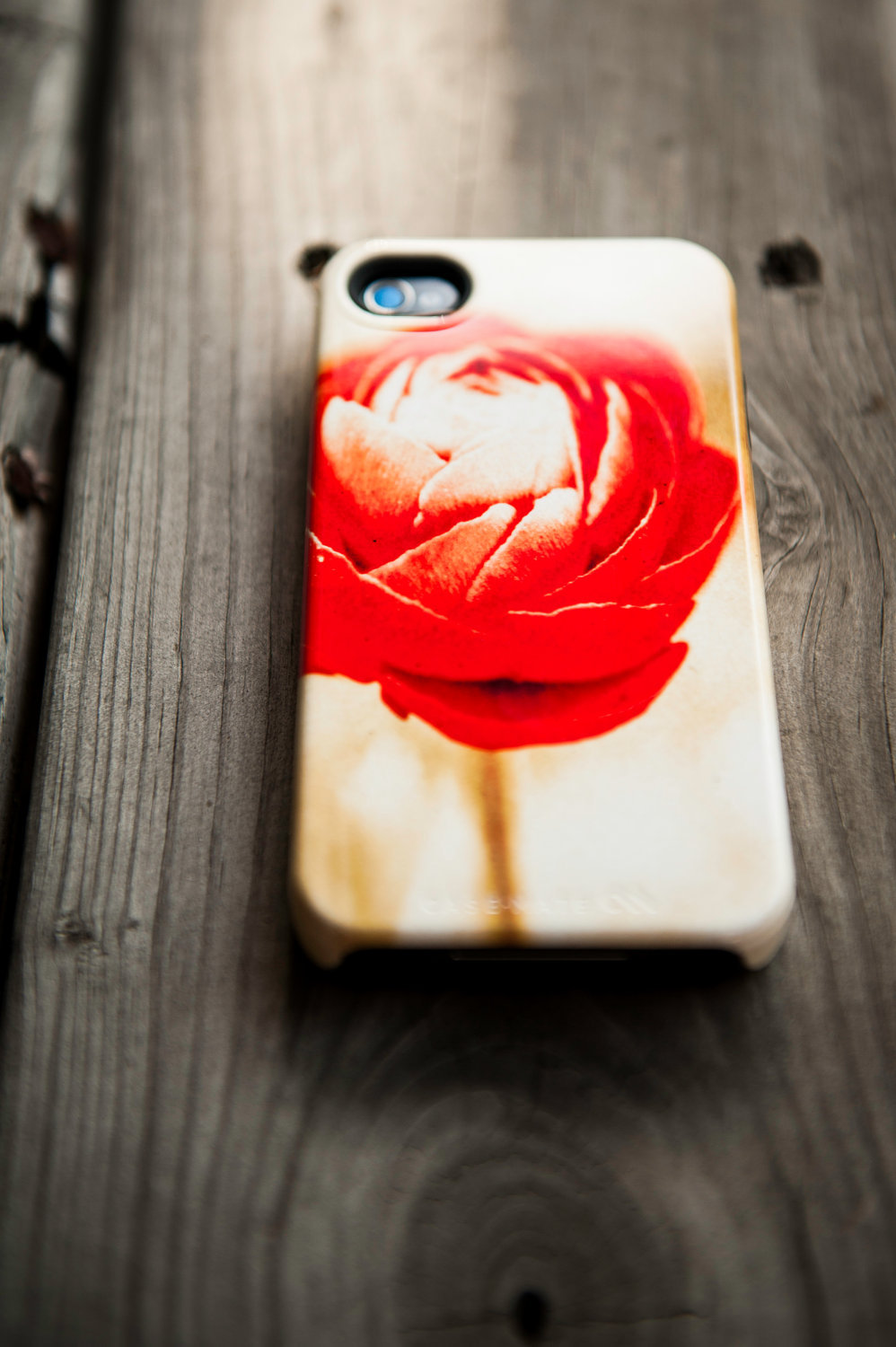 Favorite-iphone-cases-for-brides-modern-tech-weddings-4-ruby-rose.full