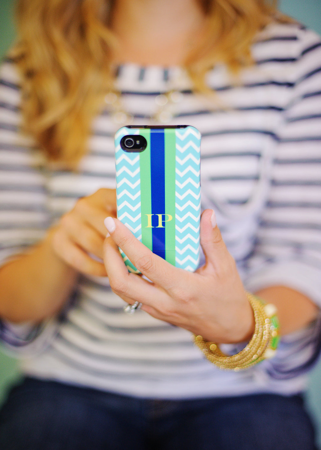 Favorite-iphone-cases-for-brides-modern-tech-weddings-chevron-monogram.full
