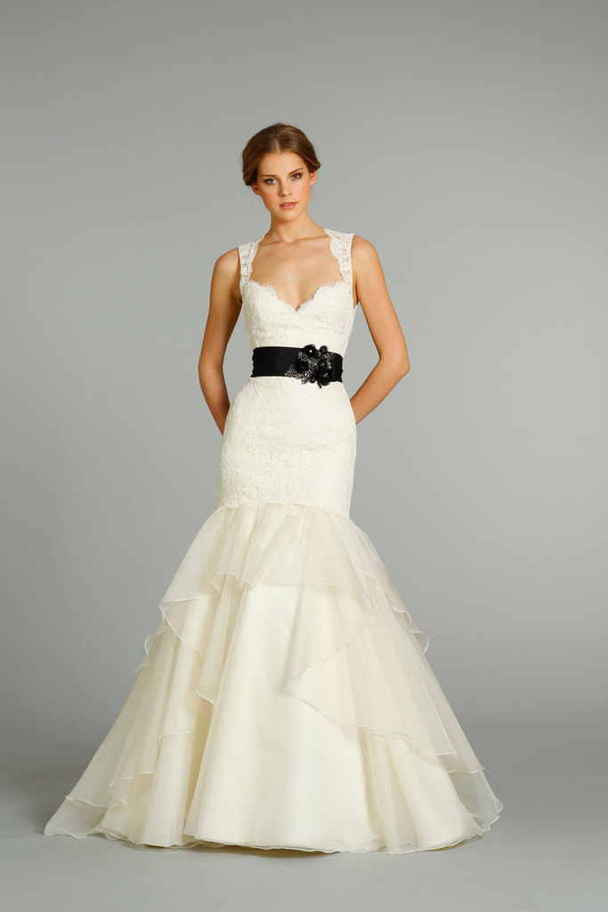 photo of fall 2012 wedding dresses JLM couture bridal Jim Hjelm 8262 Front