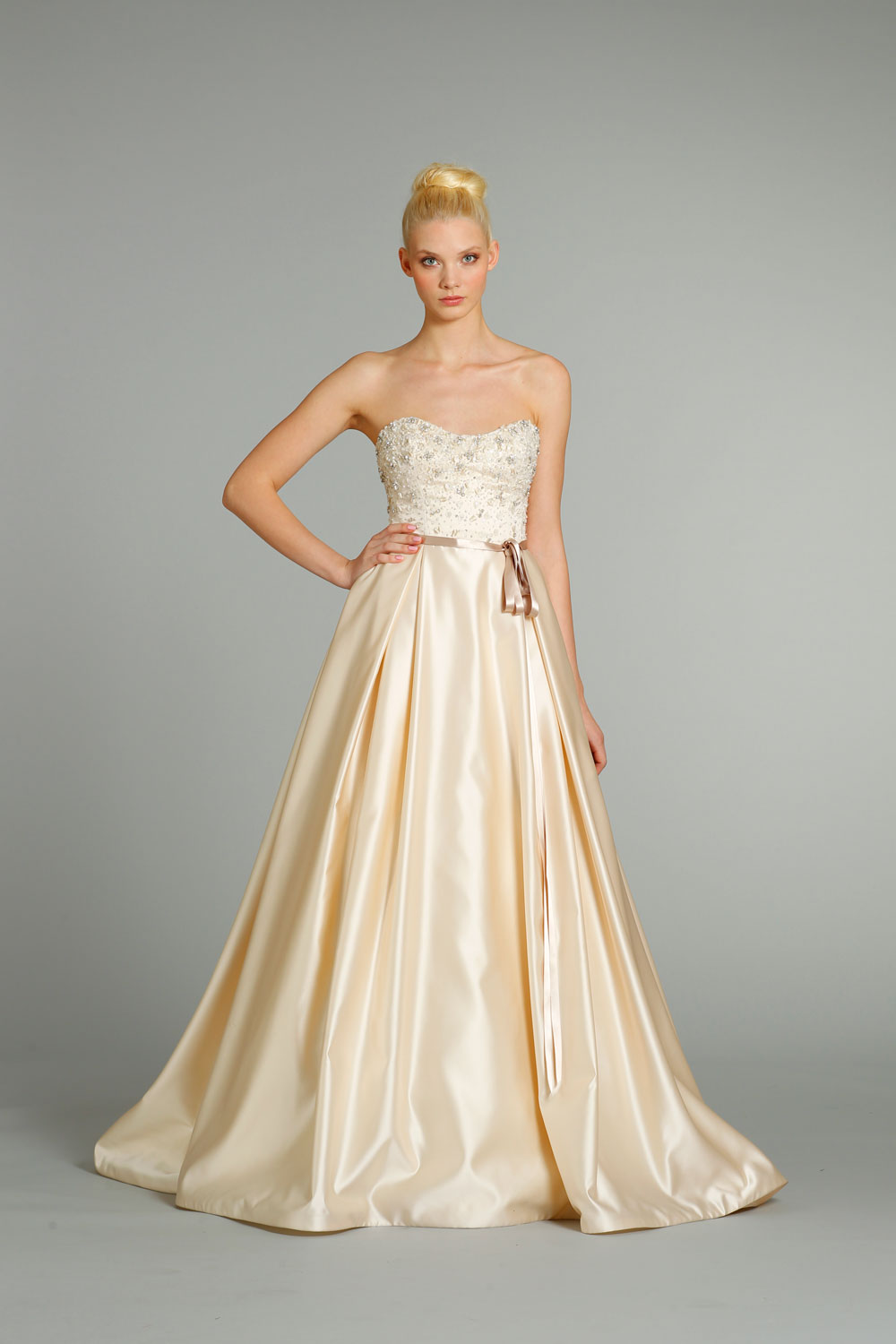 Fall-2012-wedding-dresses-jlm-couture-bridal-jim-hjelm-8257_front.original